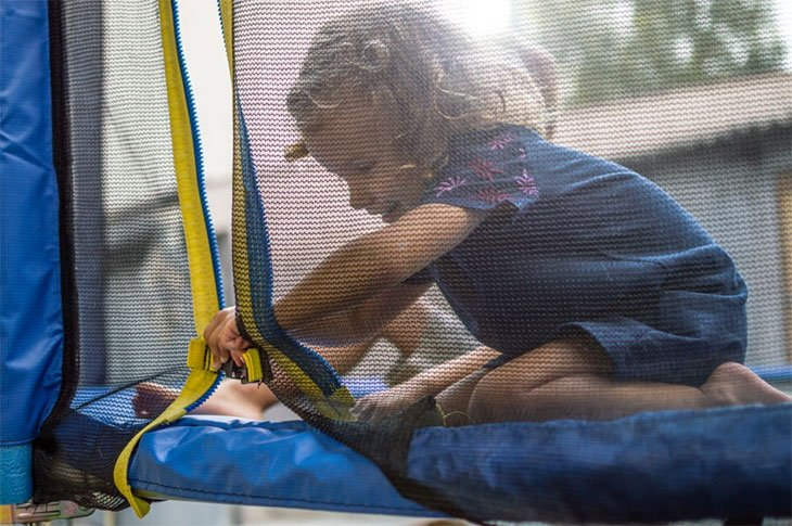 trampoline safety tips rules