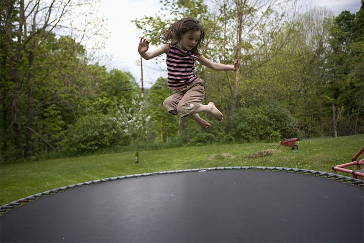 beginner trampoline tricks