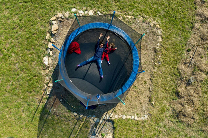 best price trampoline with enclosure