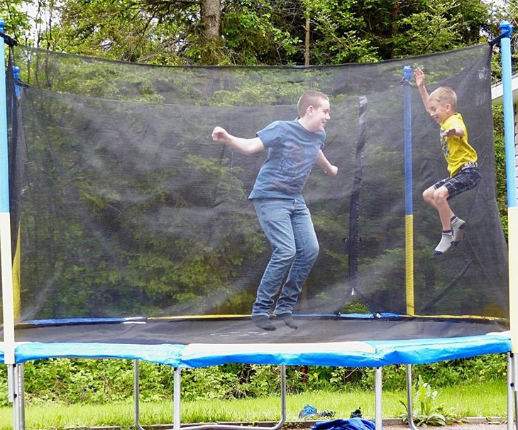 best outdoor trampoline for adults