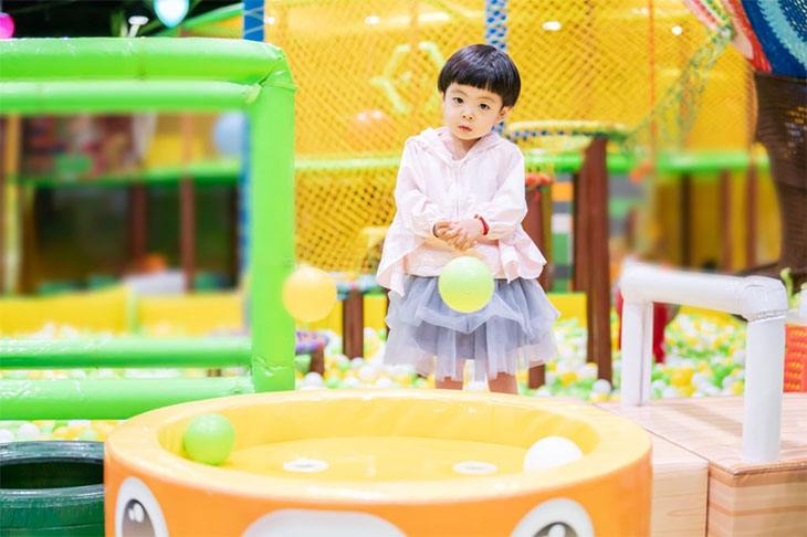 ball pit for toddler girl